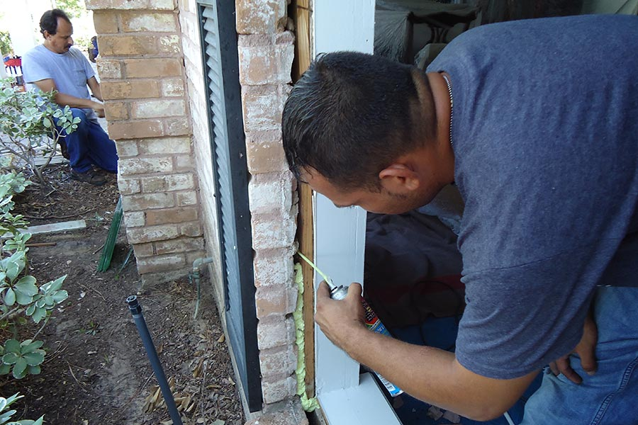 Houston Replacement Window Installation - Ultra Windows - Replacement Windows in Houston, Katy, Tomball, Kingwood, The Woodlands
