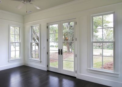 Single Hung Window - Ultra Windows - Replacement Windows in Houston, Katy, Tomball, Kingwood, The Woodlands